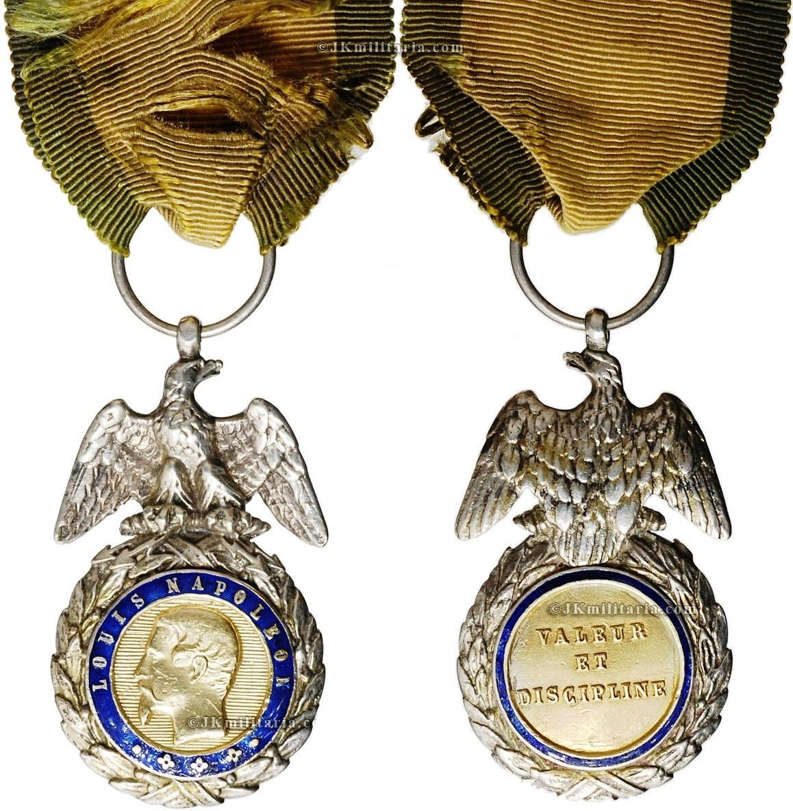 Military Medal Eagle In A Ring